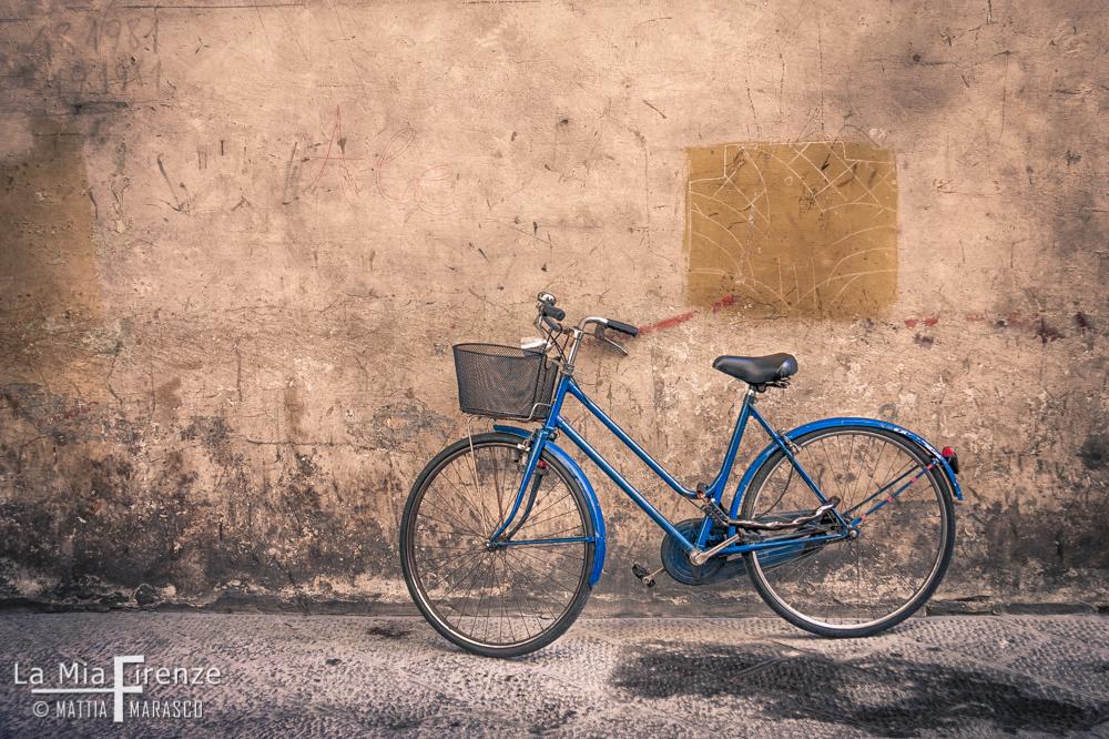 biciletta-blu-firenze-allrigthsreserved-mattia-marasco